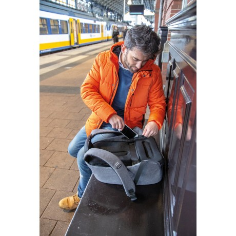 Рюкзак антивор XD Design Bobby Pro, серый